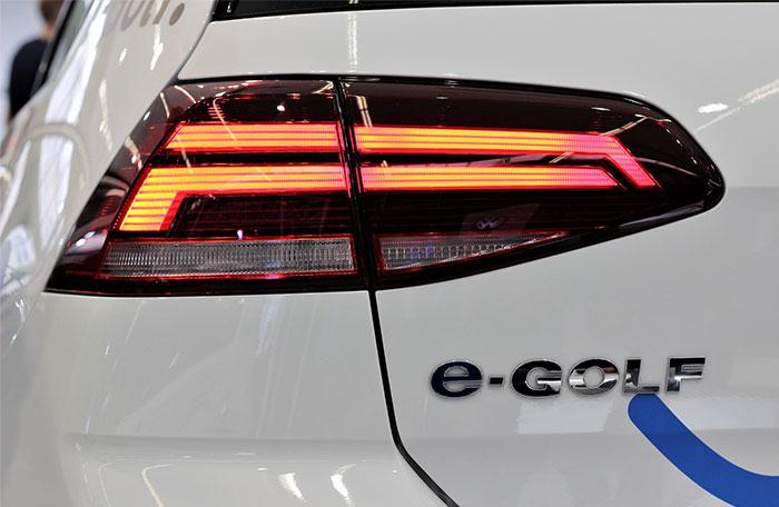 Post billede 6 elbiler til den store familie 2019 Volkswagen E Golf - 6 elbiler til den store familie