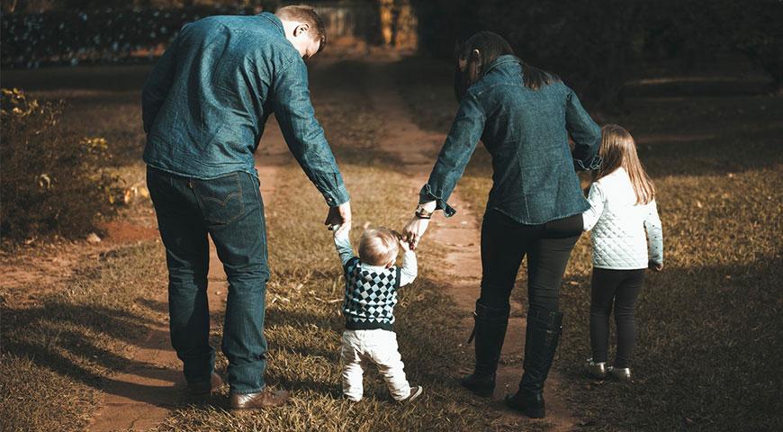 Udvalgt-billede-3-Ting-du-skal-have-med-på-familieferien