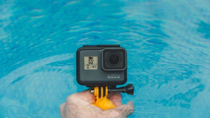 jakob owens  jYLJodqEoY unsplash 678x381 - GoPro accessories til de bedste feriebilleder