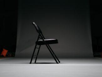 keagan henman iFBIdX54BOk unsplash 326x245 - Tag klapstolene med på farten
