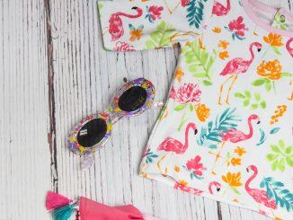 sarah doody x XipCfA3Qc unsplash 326x245 - Praktisk pakkeliste med tøj, når du skal rejse med børn