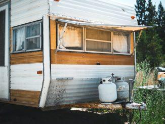 isaac moore ya0VBWtWnOc unsplash 326x245 - Tips til at købe en brugt campingvogn