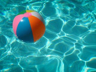 raphael biscaldi 7RQf2X6aXXI unsplash 326x245 - Skal en pool være familiens sommerferieprojekt?