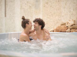 pexels andrea piacquadio 3851247 326x245 - Sundhedsmæssige fordele ved en udendørs spa